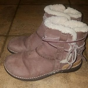 Women's sz 8 UGG brown leather shearling boots